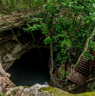 La entrada a uno de los cenotes mas famosos de merida