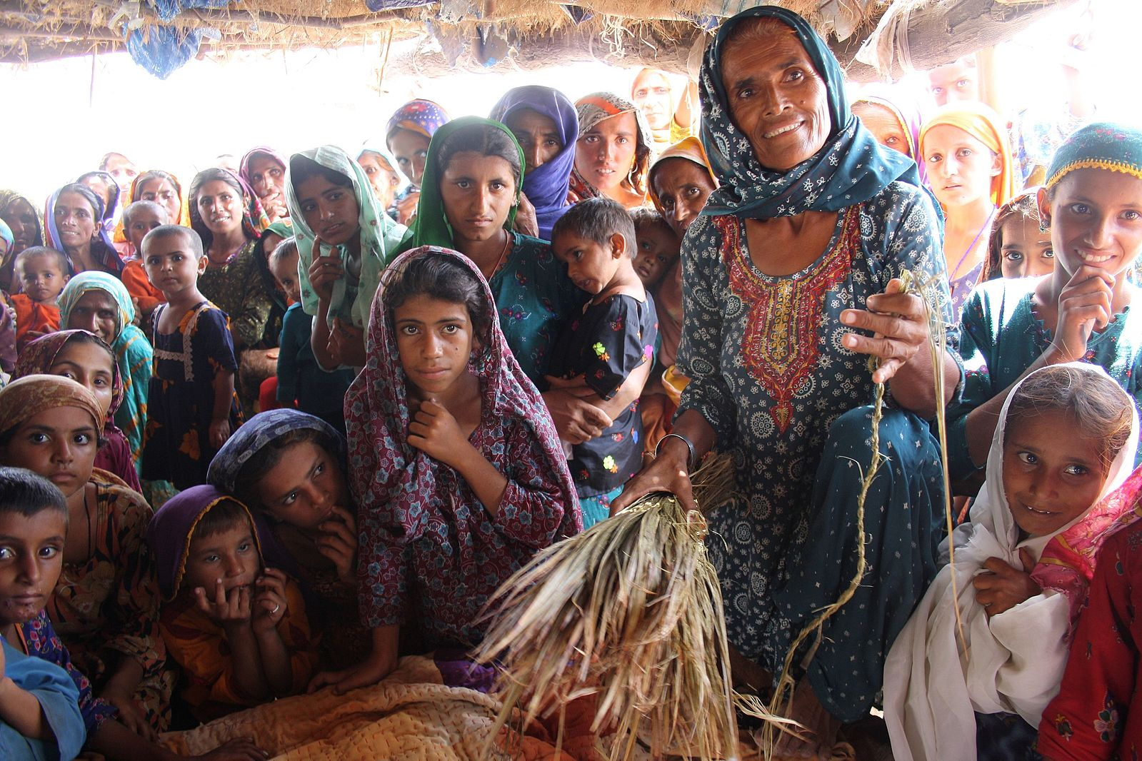 Women_and_girls_in_Qamber,_Shadadkot,_north-west_Sindh,