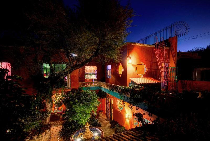 Relax into the evening as night settles into Casa del Alma.