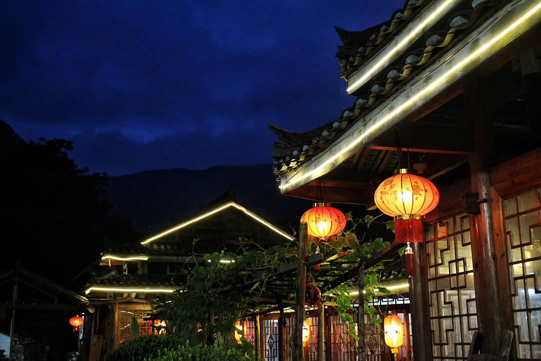 china24-lanterns.jpg