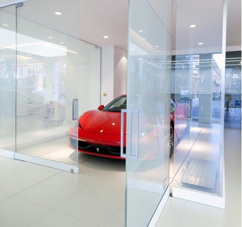 switchable privacy glass car-show