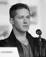 Actor Josh Dallas from Once Upon a Time gives great review to Fitnastika Fitness in Vancouver