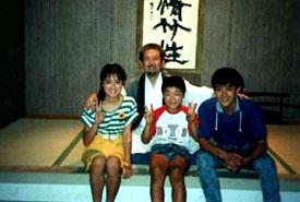 Hatsumi Masaaki mit den Schauspielern aus Jiraya