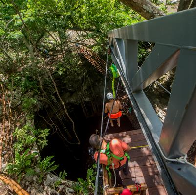 sistema de seguridad para lanzamiento de rappel al cenote