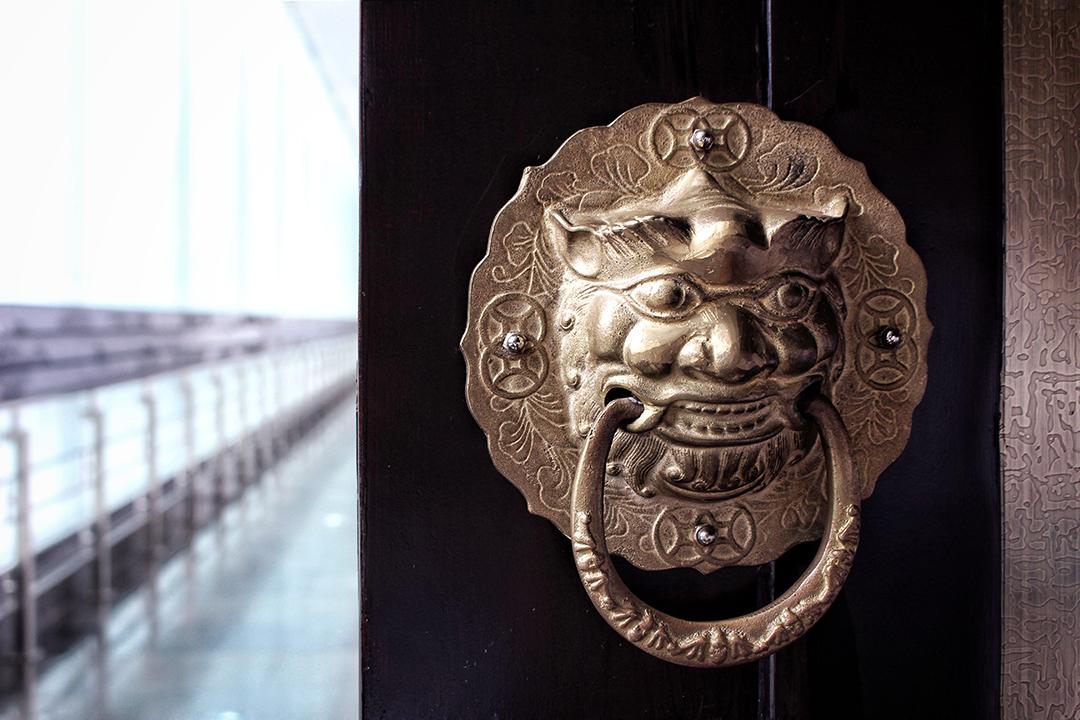 china06-doorway.jpg