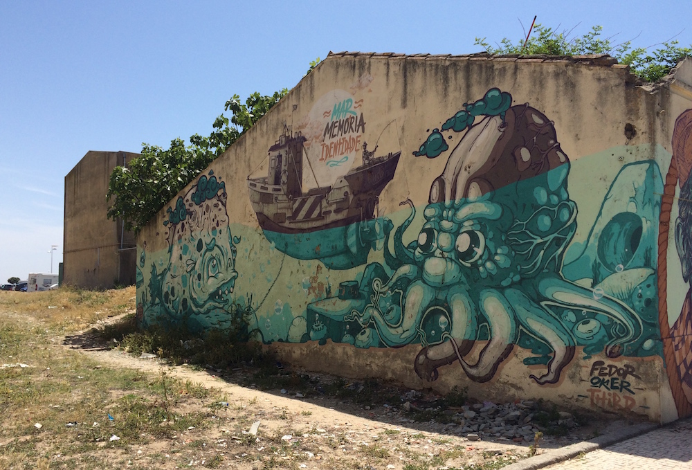 A graffittied wall in Caxinas pays homage to the sea.