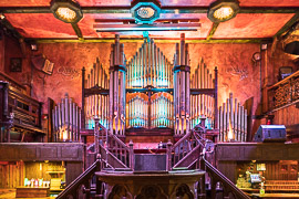 Thanks to my friend Sean McCormack for a private tour of The Quays' pipe organ.