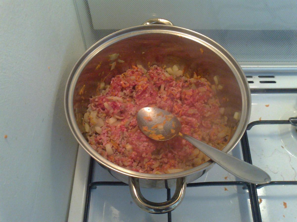 • Aggiunta di carne trita e salsiccia