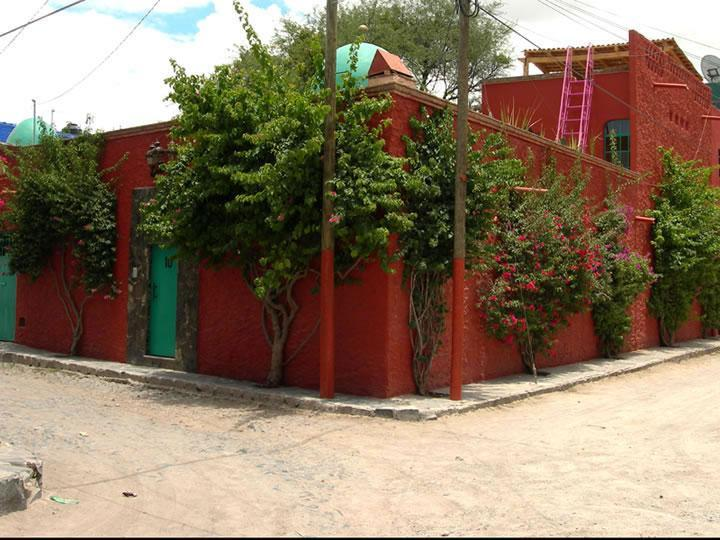 Casa del Alma is close to everything; 12-Minute walk to the Instituto or to the Jardin - Town Center.