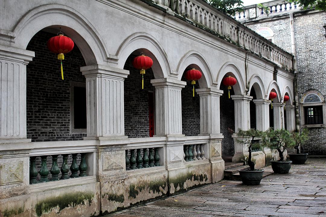 china17-columns.jpg
