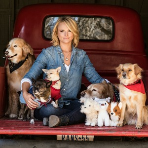 Miranda Lambert and her dogs