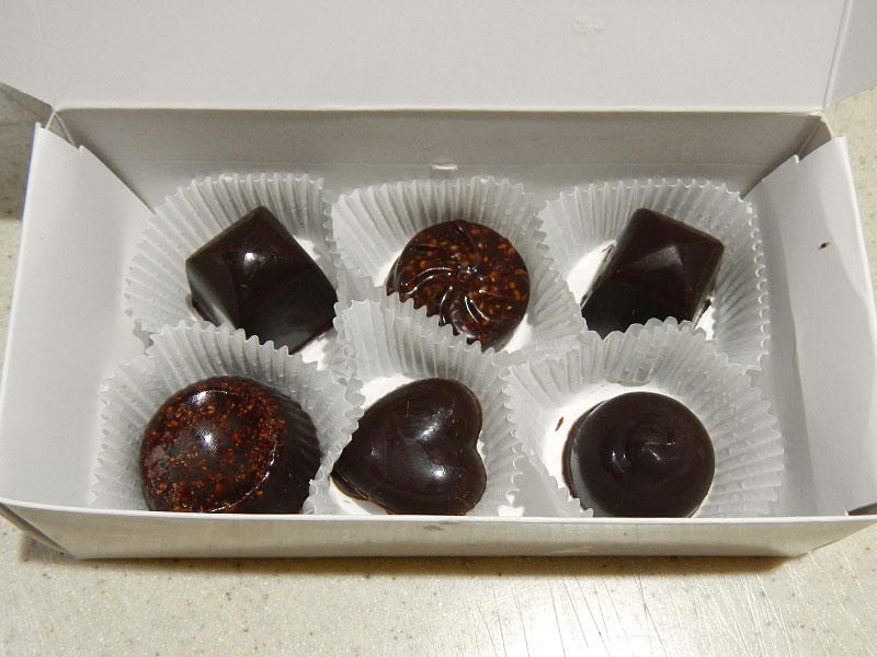 Raw Chocolate Gift Box Bottom