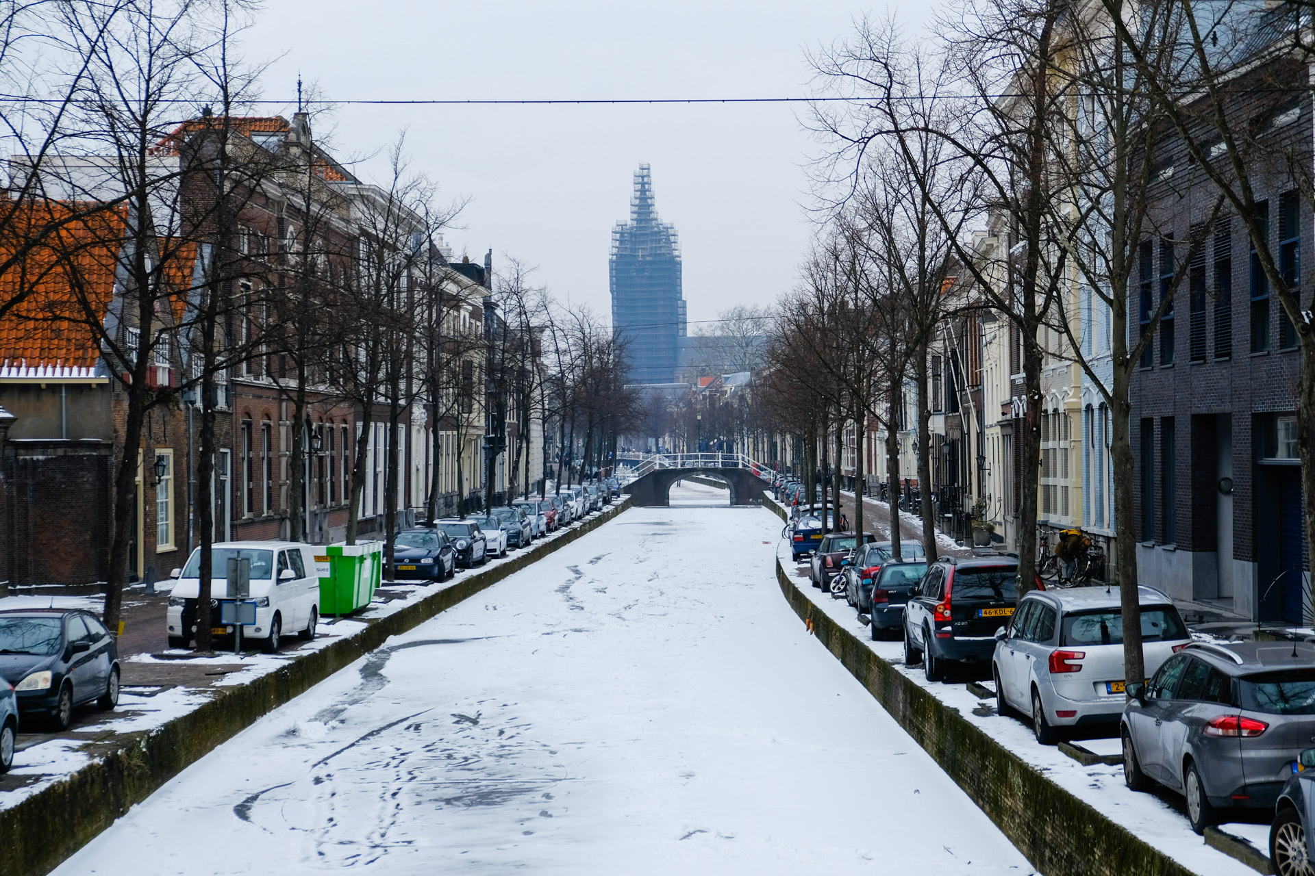 The frozen canal near the Oude Kerk
