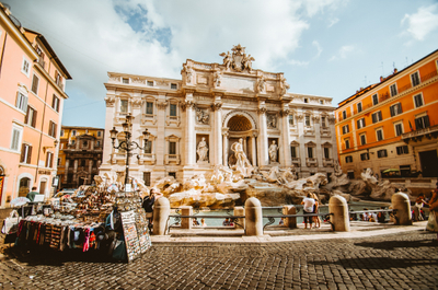 In this article you'll discover this beautiful country, find out about expat communities in Italy and read what Italians say about their country. Curious?
