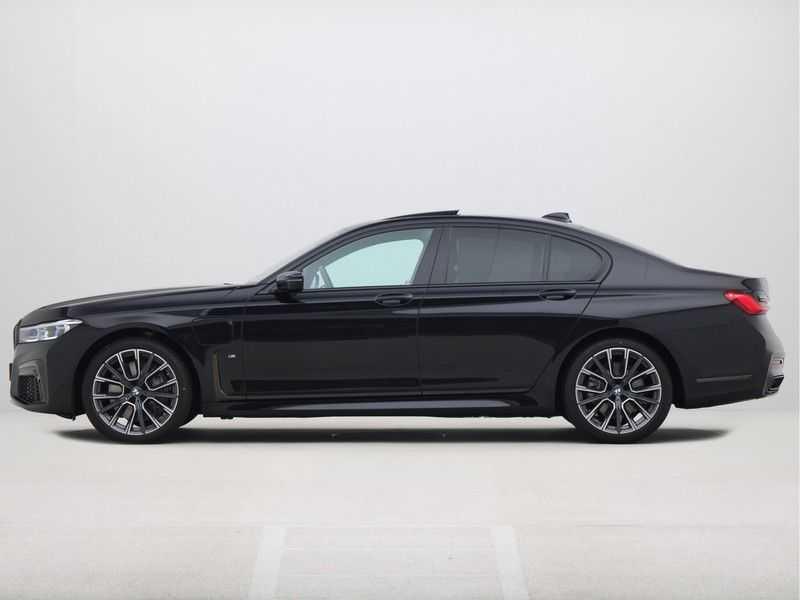 BMW 7 Serie 745e M Sport High Executive BEZICHTIGING OP AFSPRAAK afbeelding 7