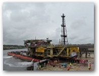 Shell Inde - Newcastle - Lima topside + barge  » Click to zoom ->