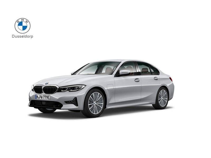 BMW 3 Serie 330e eDrive Edition Sport Line afbeelding 1