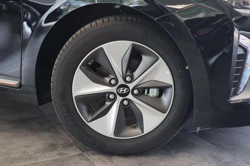 Hyundai IONIQ Comfort EV 4% Bijtelling NIEUW!! 21.116 ex. BTW Navigatie Adaptive-Cruise *tot 24 maanden garantie (*vraag naar de voorwaarden) afbeelding 8