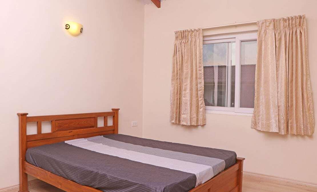 Bedroom at English Daisy, Streamside