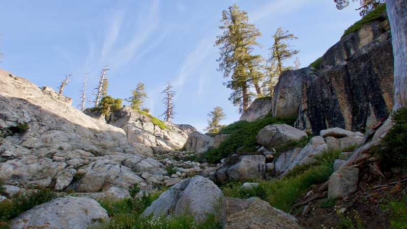 A steep and rocky climb on the PCT in Yosemite