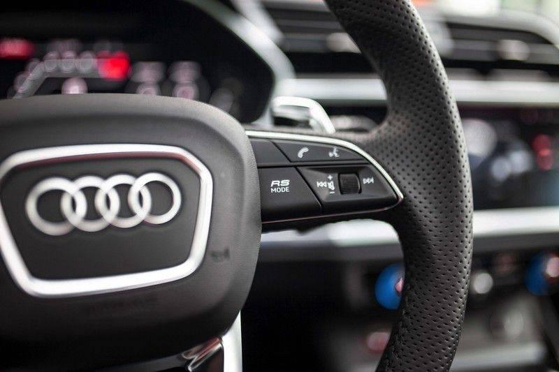 Audi RS Q3 2.5 TFSI Quattro *B&O / Pano / ACC / RS Sportstoelen / Sportuitlaat / Trekhaak* afbeelding 9