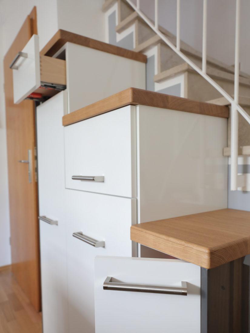 Die Schubladen schließen mit einem Soft-Close-System.