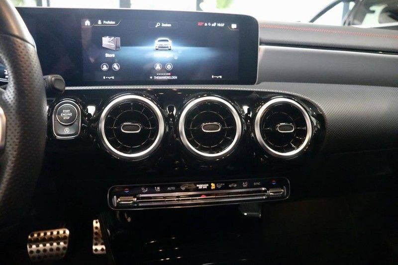 Mercedes-Benz CLA-Klasse 220 Premium Plus AMG|NIGHT|PANO|TREKHK Mercedes-Benz CLA-klasse 220 Premium Plus afbeelding 20