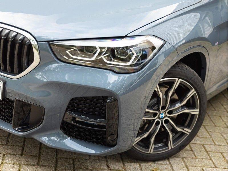 BMW X1 xDrive20i High Executive - Memoryzetel - Panorama - Trekhaak - Harman Kardon afbeelding 8