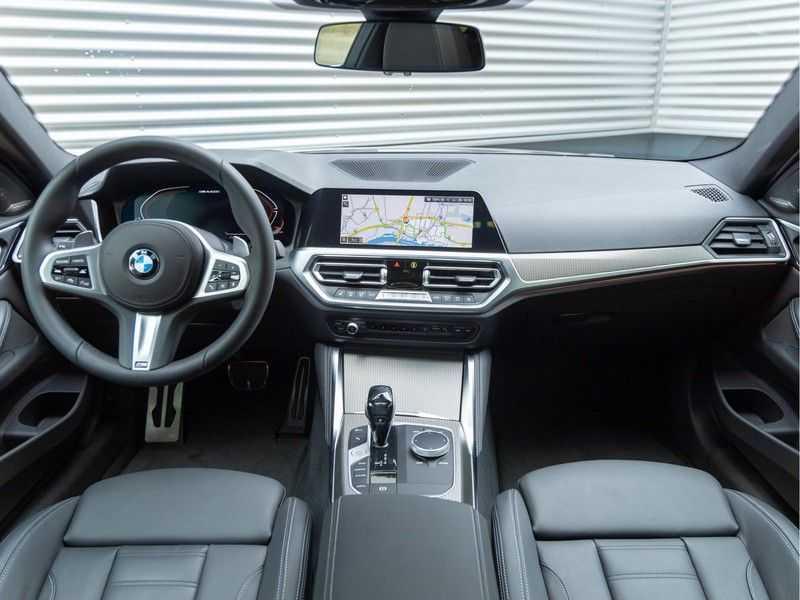 BMW 4 Serie Coupé M440i xDrive M-Sport - Head-up - Dak - Camera - DAB afbeelding 18