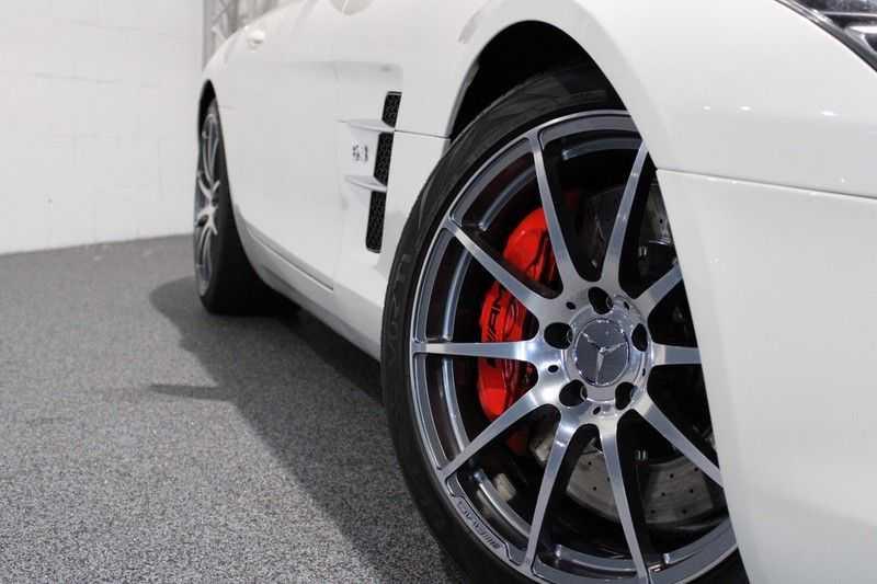Mercedes-Benz SLS Roadster 6.3 AMG Carbon pakket! afbeelding 16