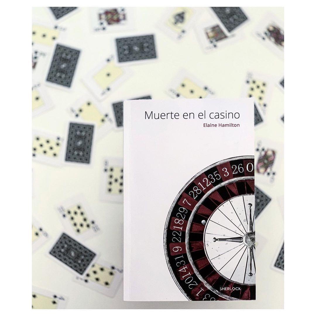 """Imagen de Reseña de """"Muerte en el casino"""", de Elaine Hamilton"""
