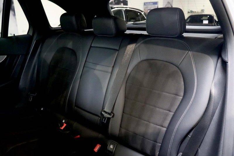 Mercedes-Benz GLC 250 4MATIC Premium Plus AMG PANO Night afbeelding 13