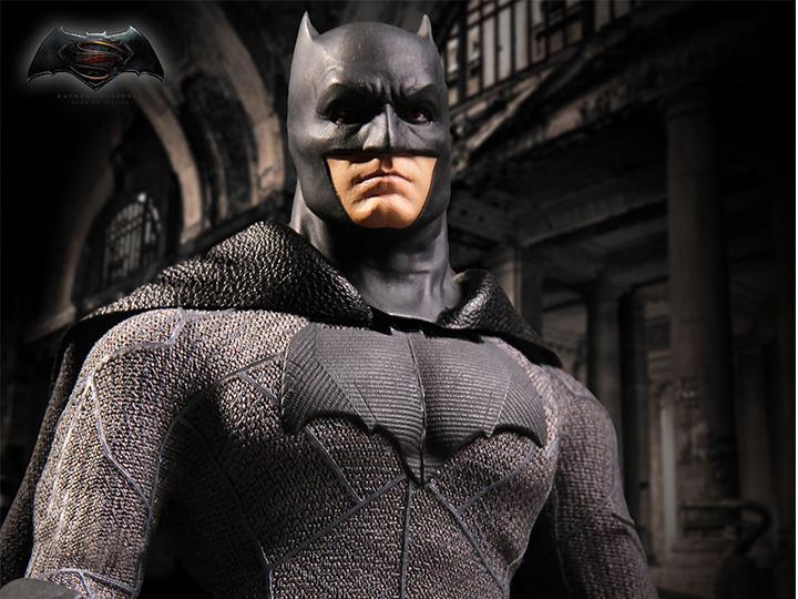 Mezco Toyz Batman v Superman: Dawn of Justice One:12 Collective Batman 1/12 Scale Figure