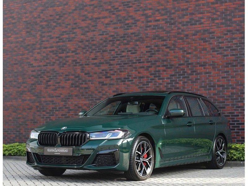 BMW 5 Serie 540i x-Drive *British Racing Green*HUD*Pano*Trekhaak* afbeelding 6