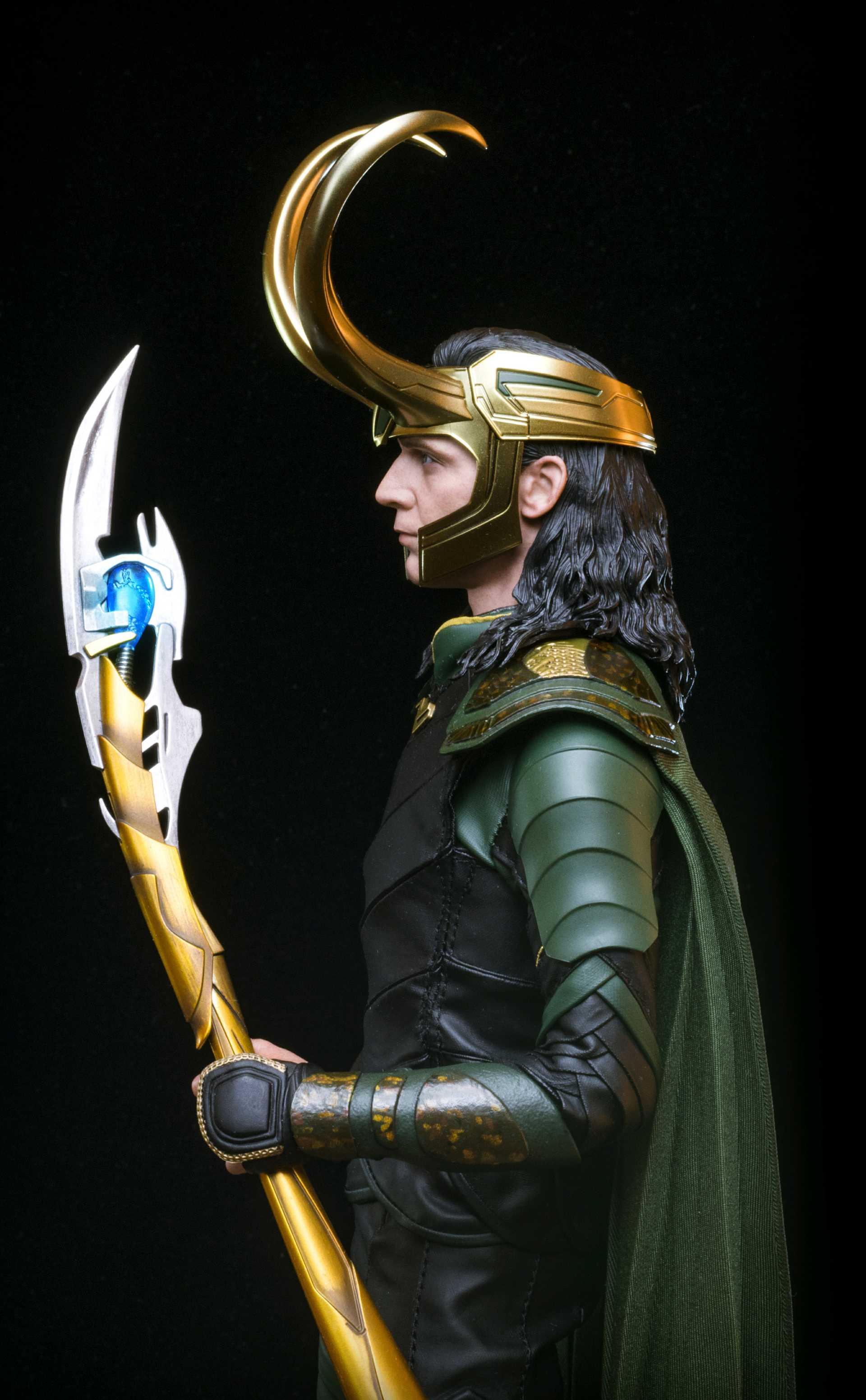 Hot Toys Loki Marvel 1/6 Scale Action Figure | Figround