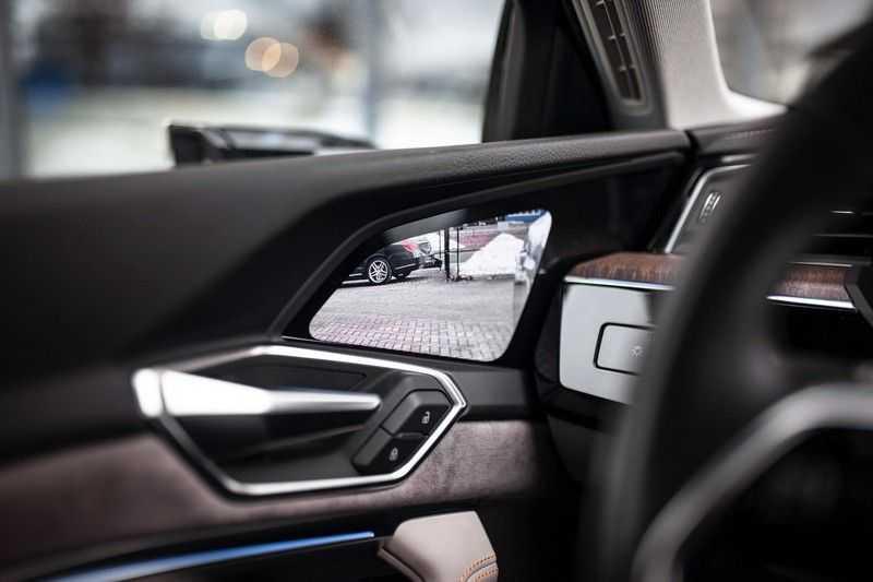"Audi e-tron 55 Quattro *4% Bijtelling / Massage / HUD / Pano / 21"" / Hulppakket Stad & Tour* afbeelding 25"