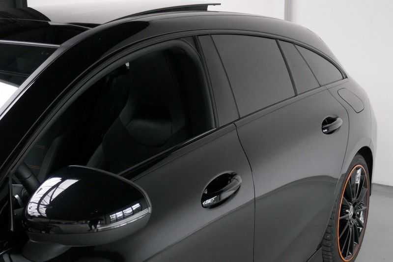 Mercedes-Benz CLA-Klasse Shooting Brake 200 d /// AMG Edition 1 Nightpakket - Sfeer verlichting afbeelding 2
