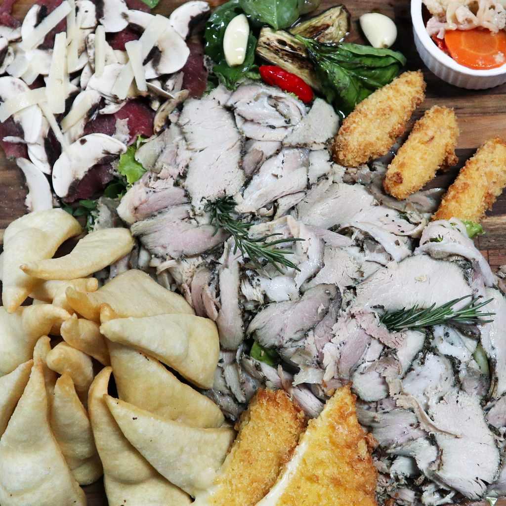 appetizers: antipasto contadino