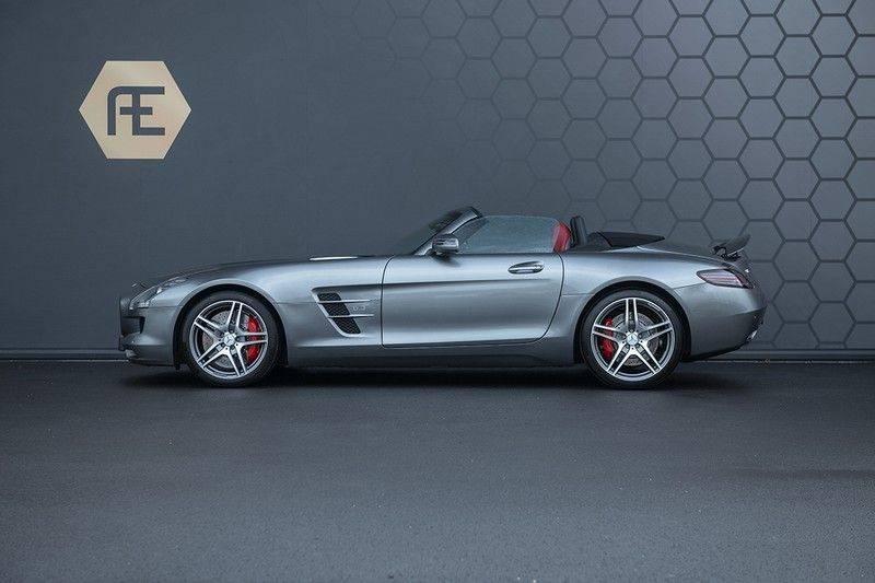 Mercedes-Benz SLS Roadster 6.3 AMG Carbon Pack + MIDDLE GRAY HIMALAYAS + Full Carbon Motor afdekking afbeelding 2