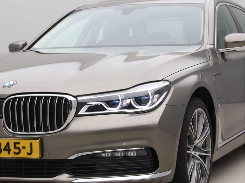 BMW 7 Serie 740Le iPerformance High Executive afbeelding 23