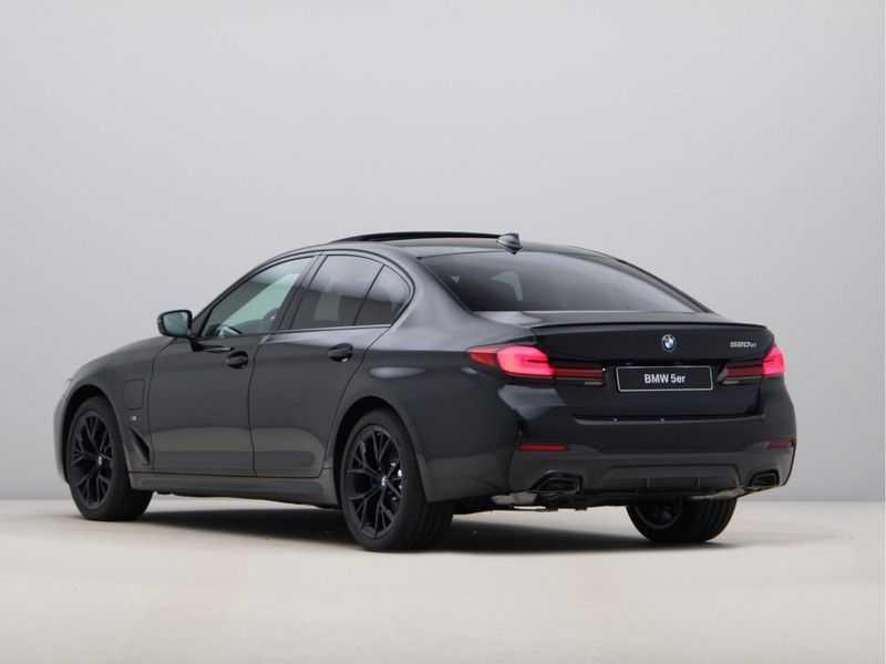 BMW 5 Serie 520e Sedan High Exe M-Sport Hybrid afbeelding 7