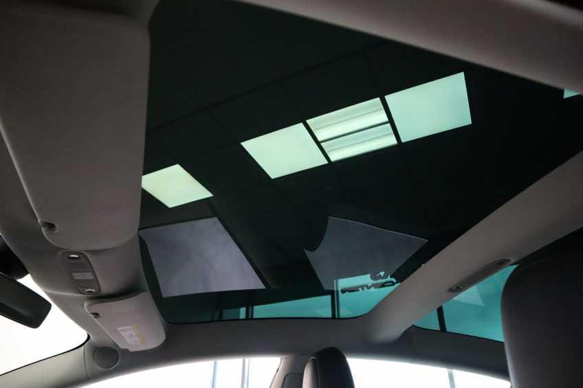 "Tesla Model 3 Long Range   prijs ex.btw 45950,-   FSD! Rood Zwart Navigatie 18""LM 4% Bijtelling Privacy glas 351 PK! afbeelding 8"