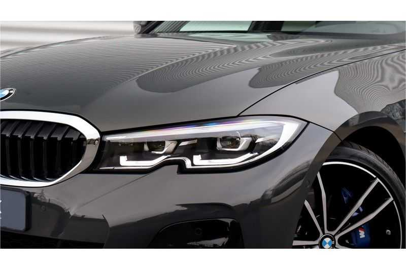 BMW 3 Serie Touring 330i Executive M Sport Driving Assistant Plus, HiFi, Comfort Access afbeelding 24
