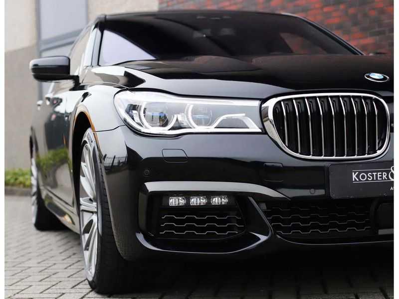 BMW 7 Serie 750d xDrive *M-sport*Head-Up*Asistant Plus* afbeelding 20