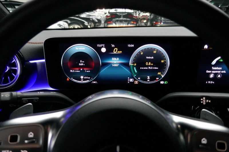 Mercedes-Benz CLA-Klasse Shooting Brake 200 d /// AMG Edition 1 Nightpakket - Sfeer verlichting afbeelding 14