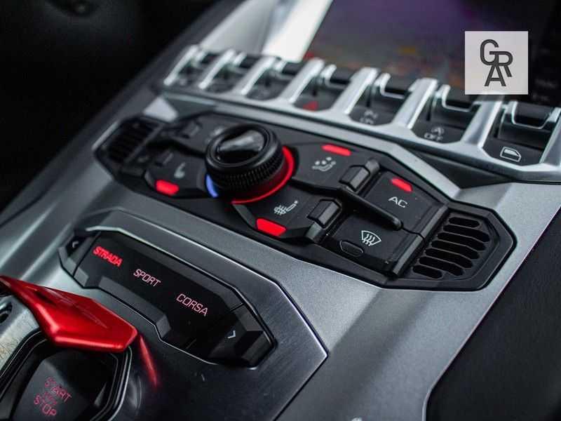 Lamborghini Aventador 6.5 V12 LP700-4 | Lift systeem | 20 inch wielen | Navigatie | afbeelding 20