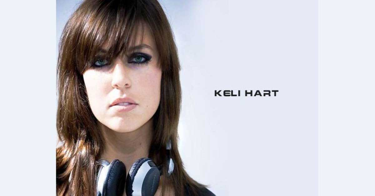 DJ Keli Hart Perempuan Gothic Dengan Dandanan Seksi
