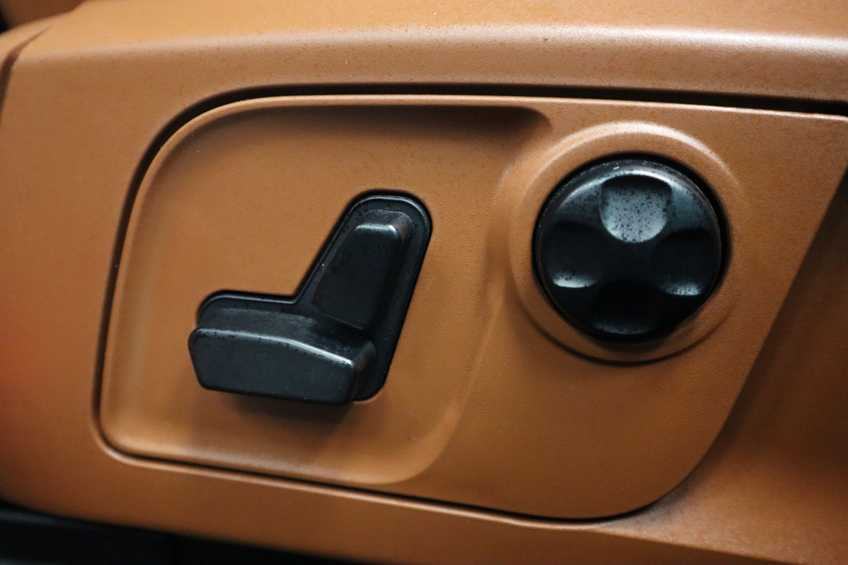 """Maserati Levante 3.0 V6 D AWD STARTECH UNIEK! Panoramadak Diamond Leder Xenon 21""""LM 275 PK! *tot 24 maanden garantie (*vraag naar de voorwaarden) afbeelding 22"""