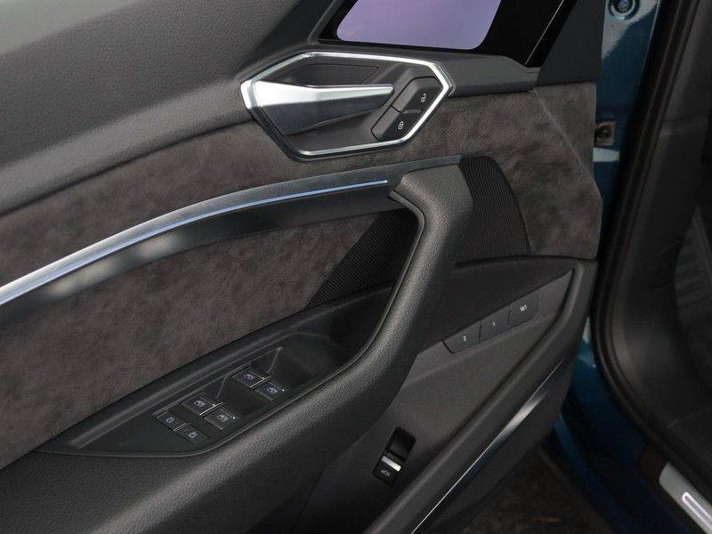 Audi e-tron 55 Quattro Incl. BTW | +/- €130 netto bijtelling| Camerabeeld spiegels | Adapt. Cruise | NAVI | Head-Up Display | 21 Inch | Matrix LED | 360 Camera | B&O | DAB | Keyless-Entry | Pano-Dak | afbeelding 25