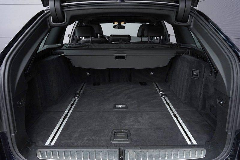 """BMW 5 Serie M550d X-Drive M-Pakket Shadow B&W Camera 360° Massage 20"""" afbeelding 6"""